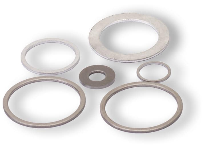 Deutsch: Abbildung zeigt Metalldichtringe aus dem Grundmaterial Stahl für Hochdruckanwendungen. English: Picture displays steel rings seal for high pressure applications.