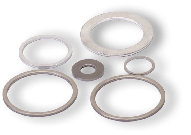 Deutsch: Abbildung zeigt Metalldichtringe aus dem Grundmaterial Stahl für Hochdruckanwendungen. English: Picture displays steel rings seal for high pressure applications.