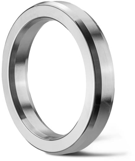 Deutsch: Abbildung zeigt Edelstahl Ring Joint Dichtung in oktogonaler Bauform 002RJD. English: Picture displays a stainless steel seal with an octagonal cross section.