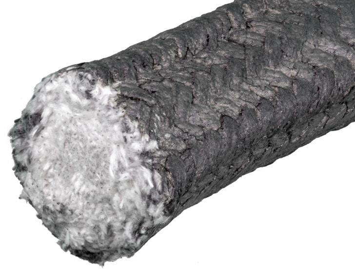 Deutsch: Abbildung zeigt Hochtemperatur-Keramikpackung für Einsatztemperaturen bis zu 800°C (glasverstärkt) und 1200°C (Chrom-Nickel-Draht-verstärkt). Außenseite ist graphitiert um die Haftung zu mindern. English: Picture displays a high temperature packing out of braided ceramic which can resist temperatures up to 800°C (1472°F) when reinforced by glass or up to 1200°C (2192°F) when reinforced by chrome-nickel-steel wire. The outside coated by graphite to reduce adhesion.