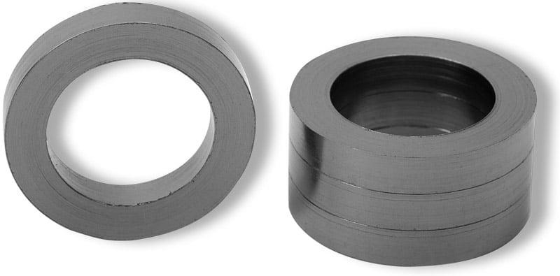 Deusch: Abbildung zeigt Reingraphit Ringe - English: picture displays pure graphite rings