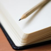 Stift und Buch