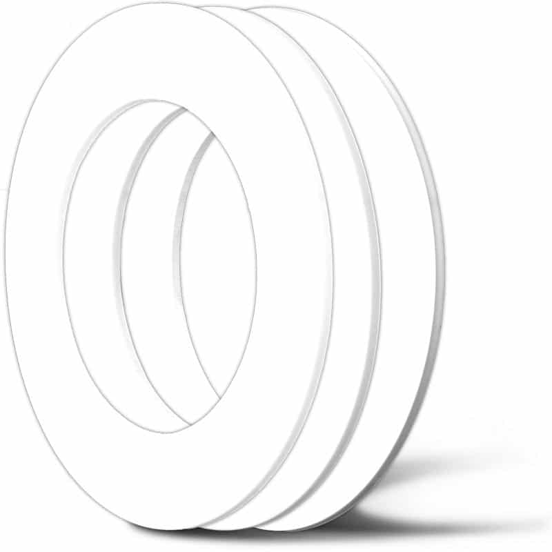 Deutsch: Abbildung zeigt PTFE Flachdichtungen (von links nach rechts): reine PTFE Flachdichtung, PTFE Flachdichtung mit 25 % Glas und ePTFE-Flachdichtung English: Illustration shows PTFE flat gaskets (from left to right): pure PTFE flat gasket, PTFE flat gasket with 25 % glass and ePTFE flat gasket